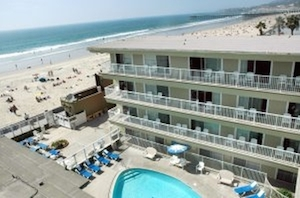 An Overview Photo Of The Bahia Hotel Left Surfer Beach Right Mission Pacific Bay Hotels