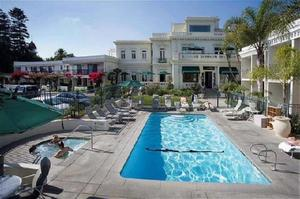 Glorietta Bay Inn Overlooking And A Block From The Ocean Combines Old World Charm With Contemporary Comfort Including